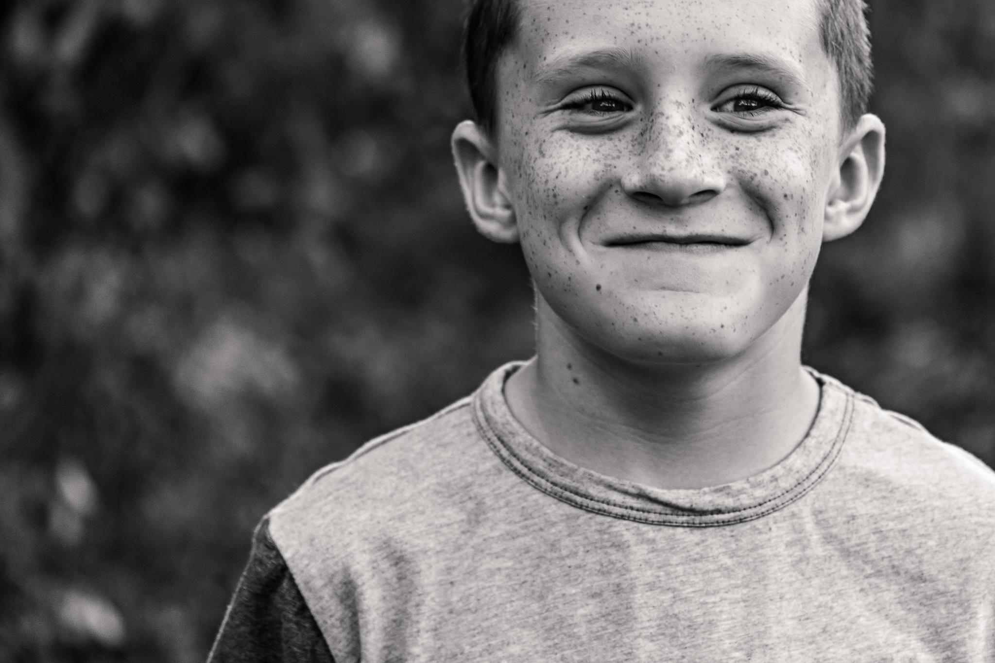New Jersey Family Photographer, Nancy Elizabeth Photography, Boy Smirking