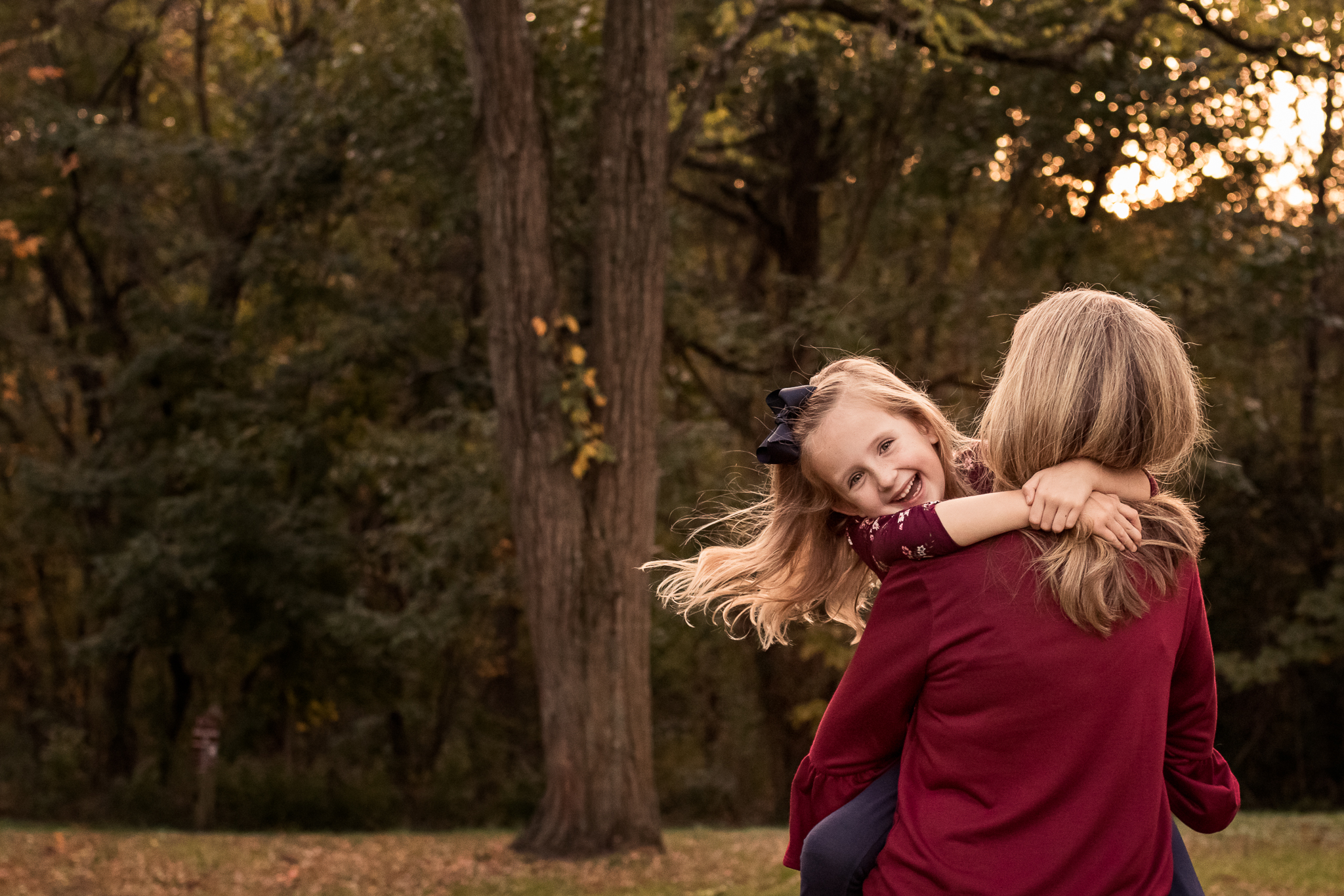 New Jersey Family Photographer, Nancy Elizabeth Photography, Mom and Daughter Hugging