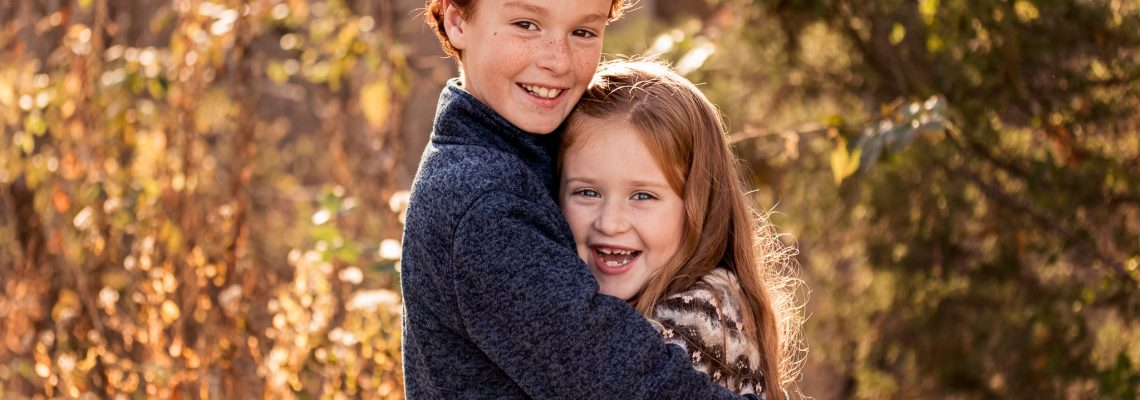 New Jersey Family Photographer, Nancy Elizabeth Photography, Siblings Hugging