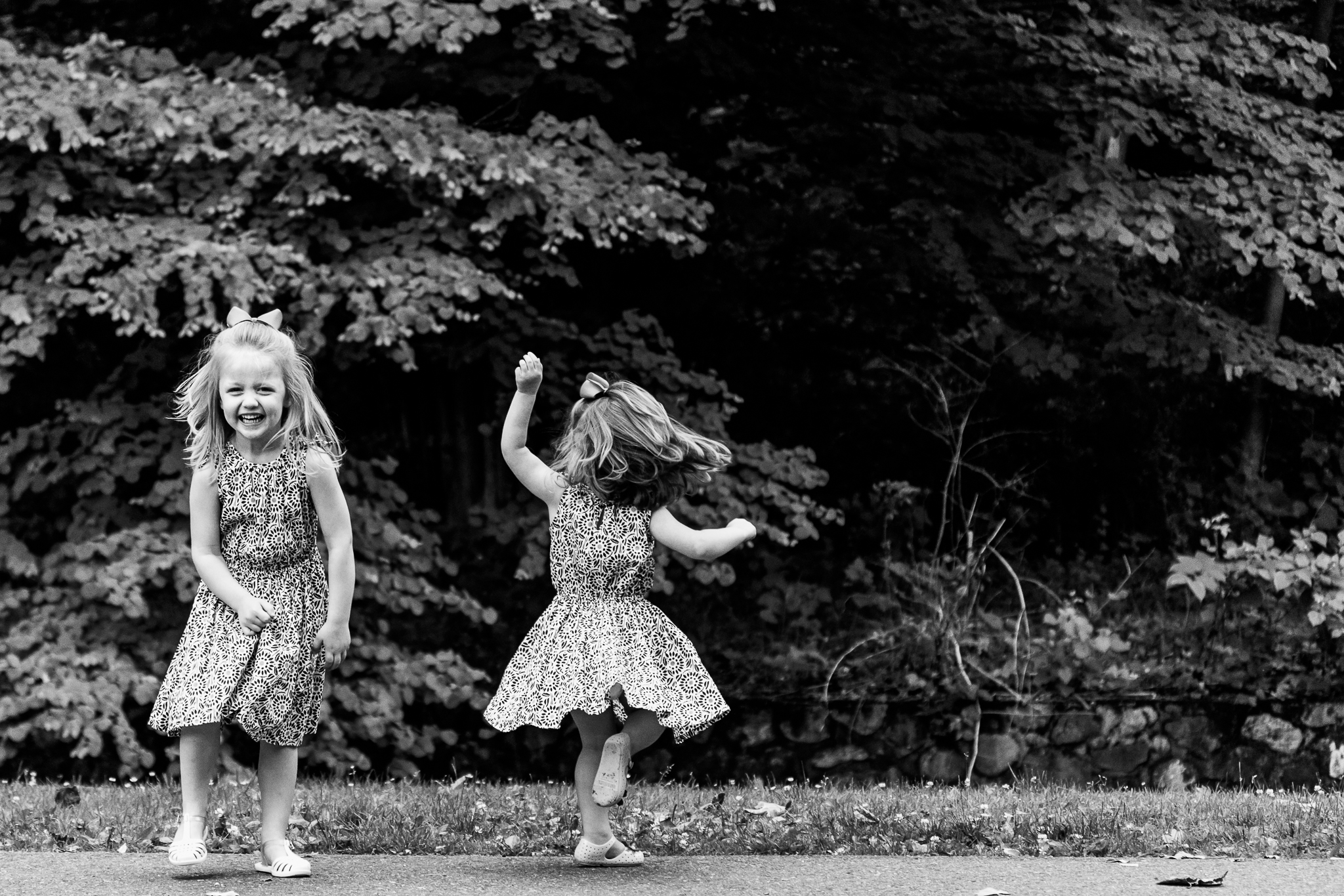 Nancy Elizabeth Family Photographer, New Jersey Photographer, Sisters Twirling